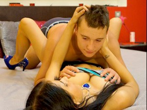 WildYoungXPlay Online Sex Cam Couple